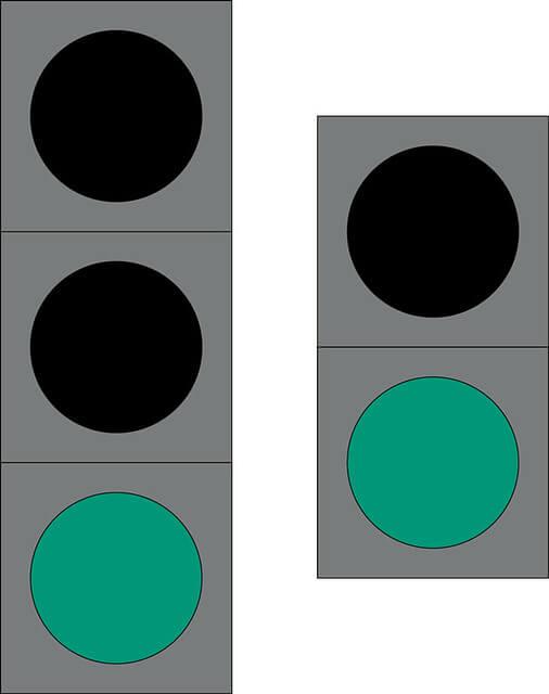 Liikennevalo-opastin 2:Kiinteä vihreä valo